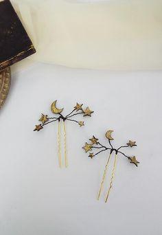 Celestial star hair pins - Black and gold star pins - Bridal star accessories Galaxy Theme, Galaxy Art, Bridal Crown, Bridal Tiara, Wedding Color Schemes, Wedding Colors, Star Hair, Gold Stars, Hair Piece