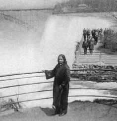 """Change the trend of your thoughts. Cast out all negative mental habits. Replace them with wholesome, courageous thought habits, and apply them in daily life with unshakable confidence.""  -Paramahandsa Yogananda (Picture in Niagra Falls, Canada) #Yogananda"