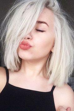 Platinum Blonde Short Hair hair frisuren, 40 Chic Short Hairstyles for Women Short Hair Styles For Round Faces, Hairstyles For Round Faces, Short Hairstyles For Women, Long Hair Styles, Blonde Short Hairstyles, Hairstyles Haircuts, Bobs For Round Faces, Blunt Bob Hairstyles, Classic Hairstyles