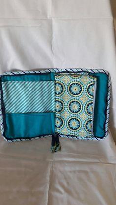 Estuche portadocumentos diseño de Clover and Violet – MJBC bags and more