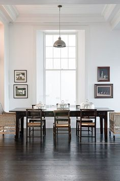 Simple and beautiful Dining Room, white walls, big window Dining Room Inspiration, Interior Inspiration, Interior Ideas, Living Comedor, House Design Photos, Beautiful Interior Design, Design Interior, Home Design, Deco Design