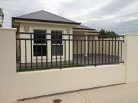 Outdoor Design, Simple Modern Home With Black Iron Fence Design And Beige Wall Exterior: Modern Iron Fence Designs, Types and Styles House Fence Design, Modern Fence Design, Wrought Iron Security Doors, Wrought Iron Fences, Tor Design, Grades, Grill Design, Fenced In Yard, Backyard