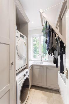 55 Inspiring Small Laundry Room Design Ideas - Home-dsgn Boot Room Utility, Small Utility Room, Utility Room Designs, Utility Room Storage, Small Laundry Rooms, Pantry Storage, Utility Room Ideas, Laundry Room And Pantry, Outside Laundry Room