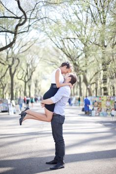 A New York City Spring Proposal from Katie Markquart Photography  Read more - http://www.stylemepretty.com/new-york-weddings/2013/09/05/a-new-york-city-spring-proposal-from-katie-markquart-photography/
