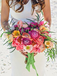 The Bouquet You Should Choose, Based on Your Zodiac Sign  | Photo by:   CHRISTINA CARROLL PHOTOGRAPHY | TheKnot.com