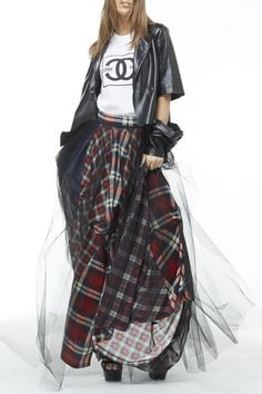 Red herring born and tartan plaid wool /flannel bouncy skirt