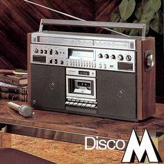 Great selection of vintage Boombox and portable adverts. Radios, Old School Radio, Audio Studio, Hi Fi System, Receptor, Hifi Audio, Boombox, Wireless Speakers, Audio Equipment
