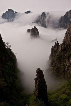 Huang Shan - cloud and mountain wonderland, China