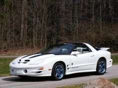 1999 30th Anniversary Pontiac Trans Am WS6, love the blue rims