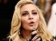 """Madonna trava leilão de bens pessoais que """"nem sabia"""" não estarem em sua posse - Lucas Jackson/ Reuters"""