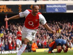 Thierry Henry powered Arsenal, Barcelona and France to glory with his unique blend of talents Football Fever, Football Icon, Arsenal Football, Arsenal Fc, Football Players, Thierry Henry Arsenal, Alan Shearer, Ian Wright, Handball