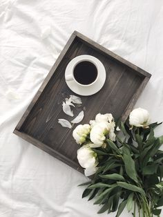 Утро должно начинаться с приятности) Деревянный поднос  Размер 30х40 см Стоимость 1600 рублей