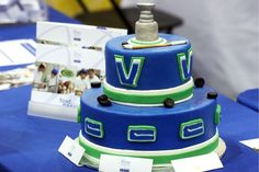 Top layer as Lennon's cake! Drew Miller, Ryan Miller, Stanley Cup Cakes, Hockey Cakes, Lion Cakes, Hockey Party, Nhl Hockey Jerseys, Sport Cakes, Food Network Canada