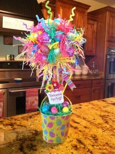 Easter Topiary.... Thinking of trying to make one on a larger scale, a bigger version that could be set outside the front door?