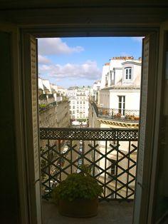 7a8ac517 Intercambio de casas en #Paris. Duplex en Montmartre para despertar en la  capital de la moda cada día!