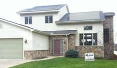 So cool – the first purchased home in Michigan with a @DOWPOWERHOUSE solar roof! Repin if you would live in this house   www.dowpowerhouse.com   #michigan #solar #dowpowerhouse