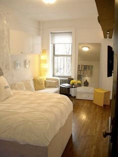 5 Smart Studio Apartment Layouts-love this room. The layout, the style, the colors.