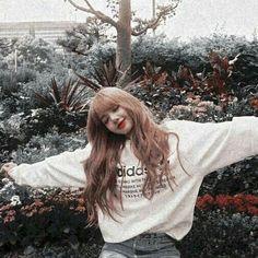Check out Blackpink @ Iomoio Jennie Lisa, Blackpink Lisa, Kpop Aesthetic, Aesthetic Photo, Blackpink Fashion, Korean Fashion, South Korean Girls, Korean Girl Groups, Tumbrl Girls