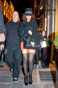 Celebrity Style Bust- Rihanna, the girl of too many things but one good Givenchy Antigona bag