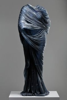 Nocturne 5, Karen LaMonte, Czech Republic, 2015. The Corning Museum of Glass. Purchased with funds from the Ennion Society. Photo Martin Polak. © Karen LaMonte.