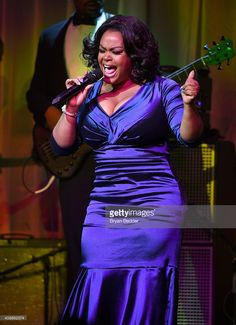 Singer <a gi-track='captionPersonalityLinkClicked' href=/galleries/search?phrase=Jill+Scott+-+Singer&family=editorial&specificpeople=213336 ng-click='$event.stopPropagation()'>Jill Scott</a> performs onstage at the Tenth Annual UNICEF Snowflake Ball at Cipriani Wall Stree on December 2, 2014 in New York City.