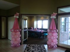I am now obsessed with this balloon tower. 3rd Birthday Parties, Birthday Bash, Girl Birthday, Birthday Ideas, Disney Princess Party, Princess Birthday, Princess Castle, Princess Balloons, Sofia Party