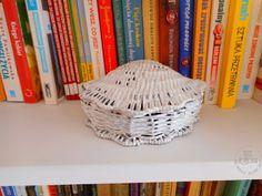 Nowele Domowe Wicker Baskets, Bookends, Diy, House, Design, Home Decor, Decoration Home, Bricolage, Home