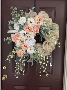 Beautiful cream deco mesh wreath with a white bird and peach and white flowers. Perfect for your wedding, party, special event, front door or any room. Summer Door Wreaths, Easter Wreaths, Holiday Wreaths, Spring Wreaths, Wreath Crafts, Diy Wreath, Wreath Ideas, Wreath Making, Corona Floral