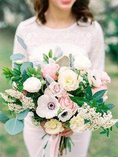 букет невесты, весна, розовый, белый, персиковый, зелень, розы, пионы, эвкалипт,анемон