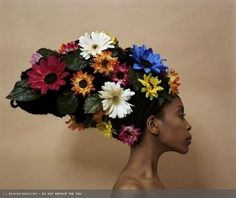 The inspiration for Amar Stewart's portrait of the lovely Erykah Badu... coming soon to www.freshlybakedgallery.com!