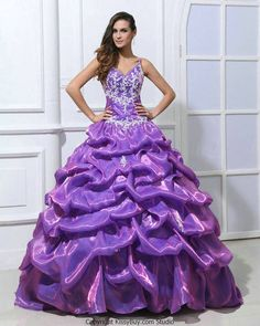 Looks like Bella's dress (Beauty and the beast. | Tumblr