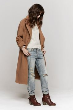 MASON BY MICHELLE MASON Maxi coat, distressed boyfriend jeans, brown stacked heel booties