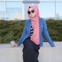 Pink Azalea scarf from www.com Black maxi dress from Mode Hijab, Hijab Fashion, Photo And Video, Black Maxi, Hijabs, Pink, Fashion Bloggers, Instagram, Dresses