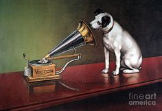 Victor was one of the largest makers of gramophones.