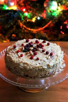 Christmas cake with nuts and cranberry jelly. | recipes and crafts