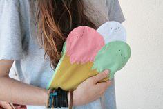 Funny ice cream pochette :) Info: papuzzini@gmail.com https://www.facebook.com/papuzzinismellow
