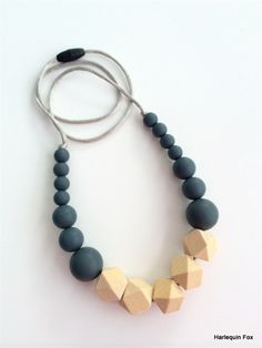 Wooden Geometric & Silicone Bead Necklace Beaded Necklace Patterns, Geometric Necklace, Beaded Jewelry, Beaded Bracelets, Jewelry Patterns, Jewellery, Wooden Bead Necklaces, Wooden Jewelry, Wooden Beads
