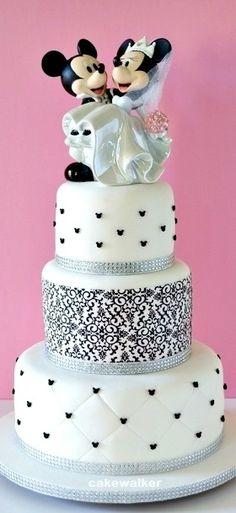 Mickey and Minnie Wedding Cake Mickey And Minnie Wedding, Mickey Y Minnie, Pretty Cakes, Cute Cakes, Wedding Cake Designs, Wedding Cakes, Anniversary Traditions, 1st Wedding Anniversary, Anniversary Ideas