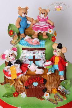 Christening cake https://www.facebook.com/Vioricascakes http://www.viorica-torturi.ro/ http://www.torturi-de-vis.ro/