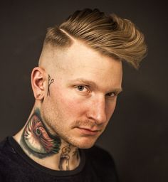 barber_djirlauw_and mid fade hard part long fringe