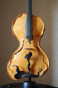"""Gauthier Louppe, maître luthier & créateur: l'alto """"Gaudiade"""""""