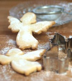 Cream the butter and sugar....Angels with Christmas coffee.
