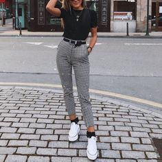Outfits : Description UO Kaylee Split-Ankle Gingham Pant, white converse, black crop tee, tucked in tee, high waist skinny black belt Mode Outfits, Trendy Outfits, Best Outfits, High Fashion Outfits, Fashion Dresses, Fasion, Boyish Outfits, Cheap Outfits, Woman Outfits