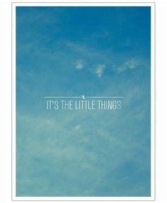 Little Things VON Galaxy Eyes now on JUNIQE! LOVE IT!!! Perfekt furs Wohnzimmer neben dem TV