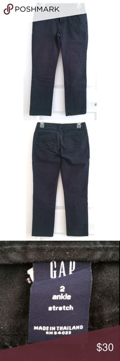 Gap Ankle Pant Gap size 2 ankle, stretch, navy color, worn once GAP Pants Ankle & Cropped