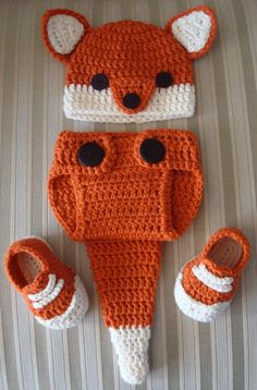 Includes fox hat, diaper cover with fox tail, and shoes. Hat (without ears) measures 5 inches long and 6 inches across laying flat. Diaper cover (without tail) measures inches long and inch Crochet Amigurumi, Crochet Fox, Crochet Hats, Newborn Photo Props, Newborn Photos, Crochet Baby Clothes, Cute Baby Clothes, Diaper Cover Pattern, Fox Hat