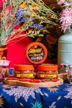 Feel the crunchy of Malaysia sambal bilis original recipe. Come in 2 flavour. Original and spicy Can eat with rice or bread. Halal Recipes, Original Recipe, Spicy, Bread, Table Decorations, Canning, The Originals, Handmade Gifts, Etsy