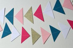 Triangle Arrow Garland and Confetti in Gold by HappyHootParties Mops Fierce Flourishing
