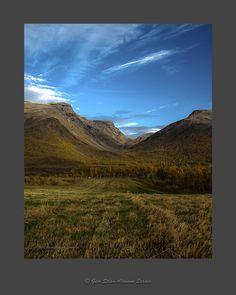 https://flic.kr/p/GwU3kk | The Valley | Autumn view