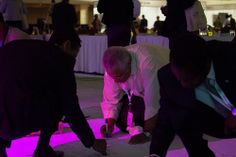 Banner signing (7)